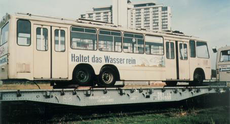 Jorge sent along a photo of a German trolley shipped to Mendoza in 1989. Taken by Osvaldo Manoli, of the Argentinian friends of trams association.