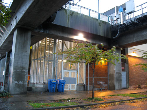 What the south side of Broadway station used to look like. No more emergency exit!