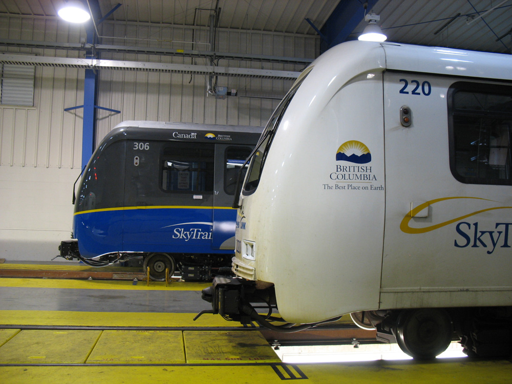 Yes, another angle of the old and new SkyTrain cars.