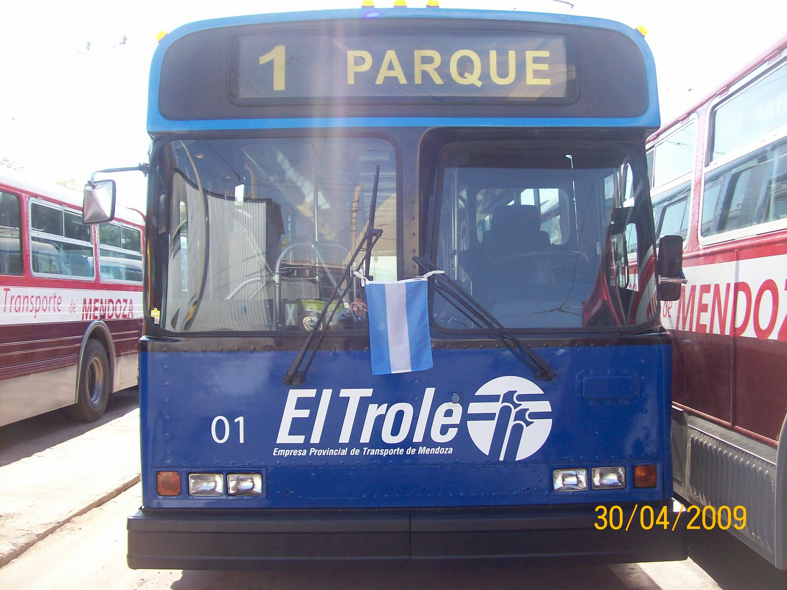 Trolley 01, with the Argentina flag on its front! Photo by Jorge Luis Guevara.