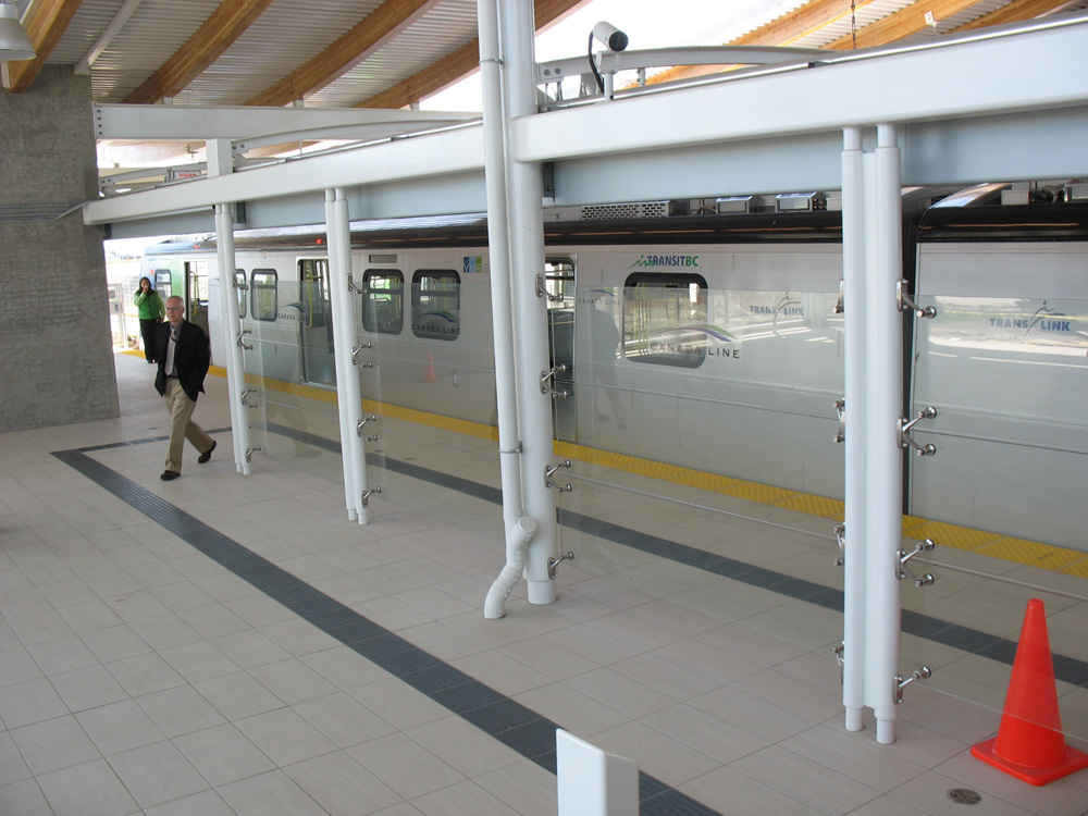 View of the south side platform. Click for a larger version.
