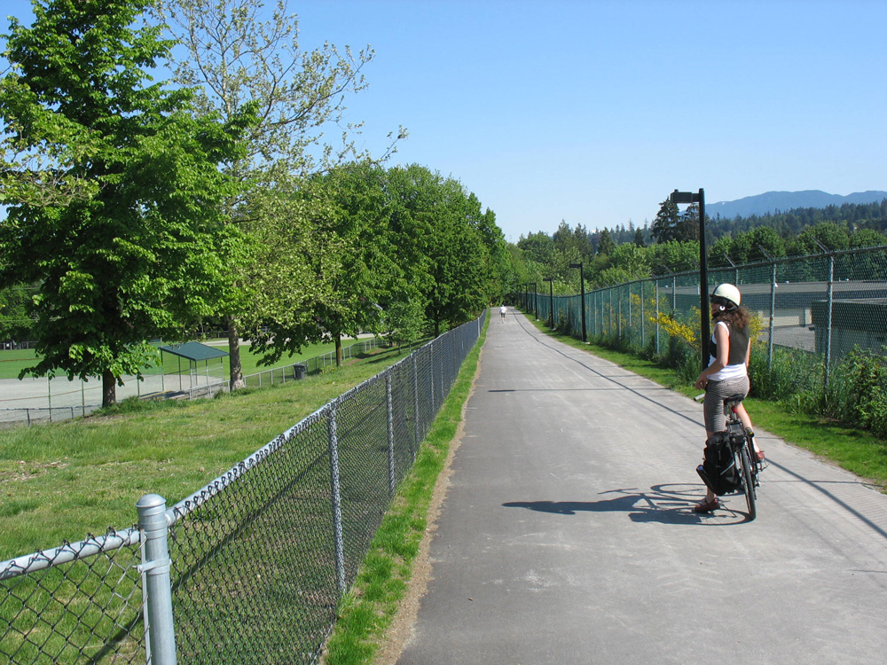 The bike path through Hume Park. The baseball diamond and off-leash area are to the left!