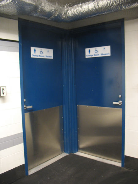 Metrotower offers shower facilities for cyclists.