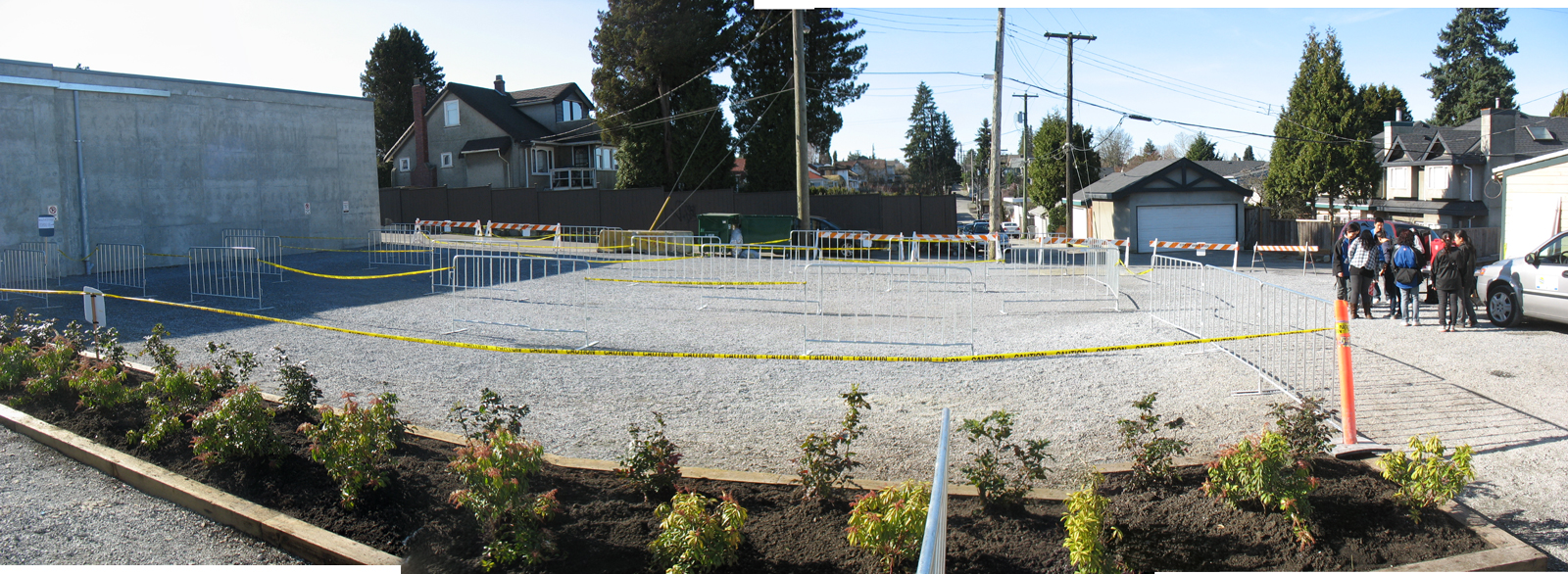 A panoramic photo of the queue management setup in the adjacent parking lot. Click for a larger version!