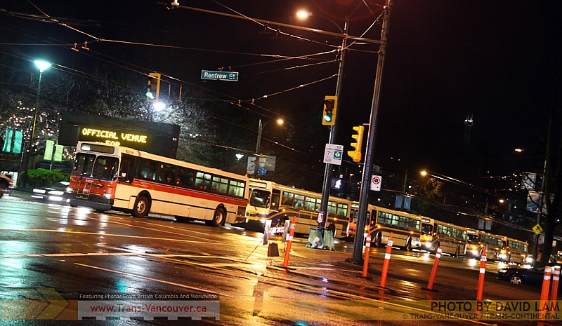 Bus convoy waiting to make a left turn from Hastings onto Renfrew. Photo by <a href=http://www.trans-continental.ca/vancouver/specialcollections/D40lastdays/IMG_3189.jpg.php>David Lam</a>.