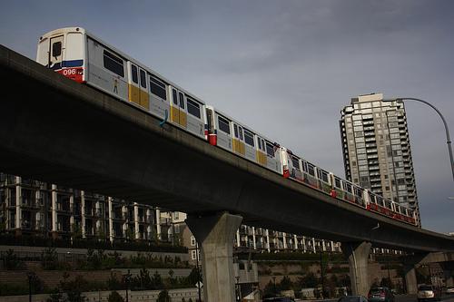 A 6-car Mark 1 train leaving Brentwood Station. Photo by <a href=http://www.flickr.com/photos/dennistt/4573539517/>DennisTT</a>!