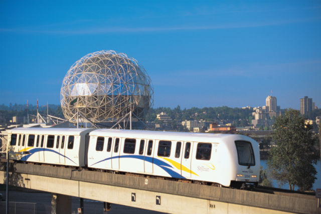 252_-_SkyTrain_near_Science_World_2