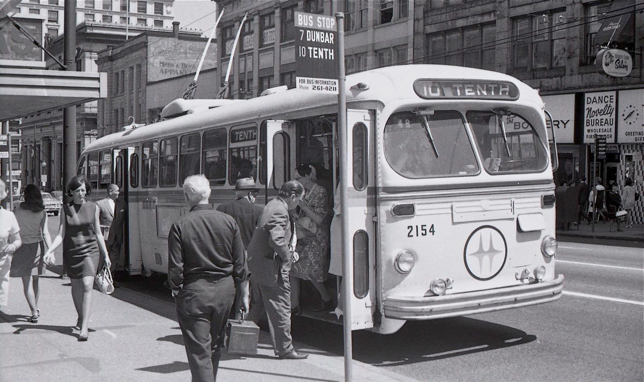 Granville S/B between Pender and Dunsmuir c. 1968. Note lack of right side mirror on this 1949 Brill T-48