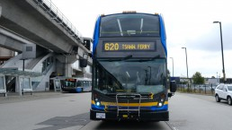 The 620 bus laying over at Bridgeport Station
